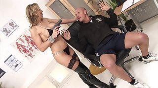 MILF Tanya Tate fucks one lucky baffle and gets a facial