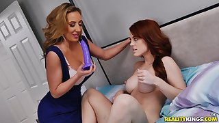 Mature lesbian overstate d enlarge Richelle Ryan stuffs Molly Stewart's pussy